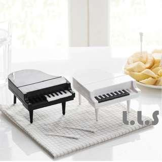 🚚 2 Colors Black And White New Dessert Snack Party Fruit Forks Piano Shaped Cake (KC1126) Singapore Seller + 100% Authentic