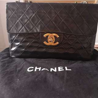 b99eb37bda4a Authentic Vintage Chanel Black Full Flap Mini Single Chain Shoulder Bag (In  good condition)