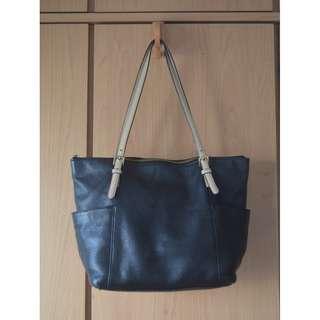Michael Kors/MK Black Classic Shoulder Bag
