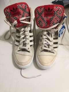 adidas 契型鞋 37.5