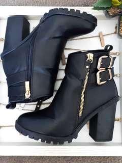 Luichiny Petra Black Boots