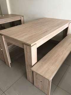 Sale..!!! 1 set meja dan kursi kondisi 90%