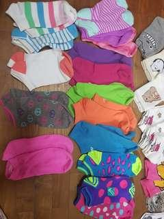 🚚 Colourful Fun Exciting Cute socks Peace New Balance