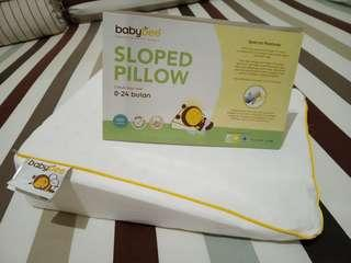 Baby Bee Sloped Pillow