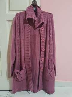 Knitted knee length pink jacket