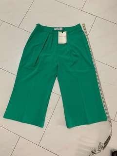 🚚 Donta Vogue The Label 3/4 Pants