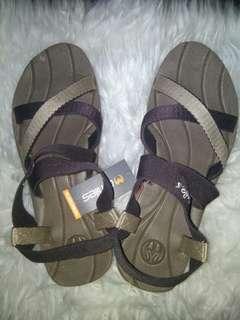 Sandal marsha omiles