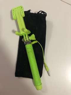 🚚 Bright neon green Selfie Stick