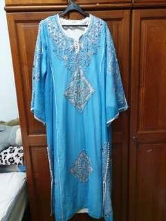 🚚 Embroidered Abaya