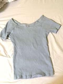 Uniqlo天藍色螺紋上衣