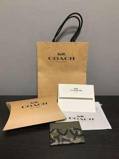 🚚 Coach Card Holder