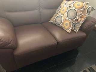 🚚 2-seater sofa
