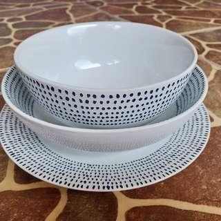Perlengkapan makan piring kramik