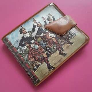Vintage wallet 1960's-70's. Mafe in England.