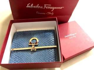 Salvatore Ferragamo #dressforsuccess30