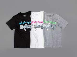 限量發售 KAWS: Holiday Tee 香港版