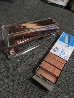 🚚 Rose gold stapler