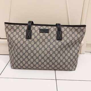 🚚 Gucci Tote bag in a very good condition