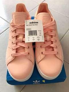 🚚 [BNIB] Adidas Stan Smith Pink