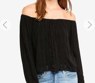 HOLLISTER LACE OFF SHOULDERS TOP