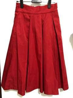 🚚 Megagamie Pleated Midi Skirt in Red S