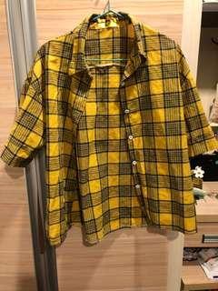 黃格子襯衫
