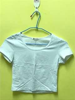 🚚 短版白色內搭衣