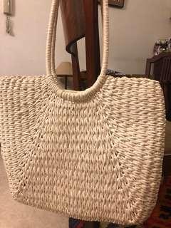 🚚 Woven bag