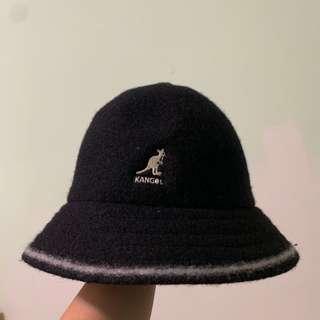Kangol黑色鐘型帽