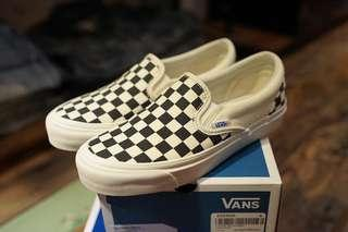 Vans Black & White OG Checkerboard Classic Slip-On Sneakers 38 38.5