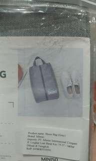 Miniso shoes bag portable / tas sepatu miniso