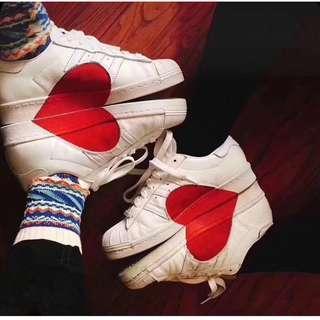 🚚 adidas愛心圖案情侶鞋 百搭小白鞋正韓時尚低幫男鞋女鞋平底鞋板鞋《38號》