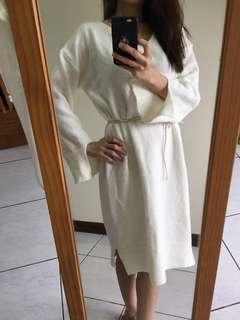 🚚 白色長袖針織洋裝