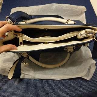 Navy handbag # 海藍色手袋