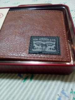 Rush Sale! Brand new authentic LEVIS Mens Wallets Buy 2 for 2k only fix