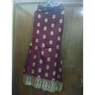 Skirt/Bottom maroon