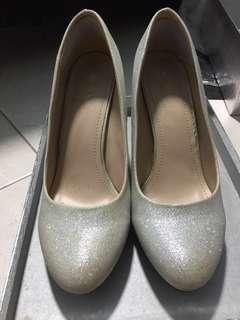🚚 Anna Nucci Glittery heels and Clutch
