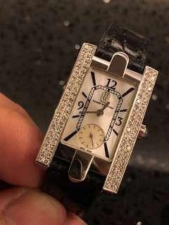 🚚 Selling Harry Winston Avenue Watch