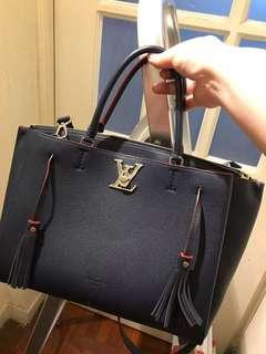 LV lock me with dust bag n sticker