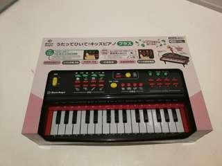 Japanese Brand Smart Angle Toy Piano with Microphone and Recording Function