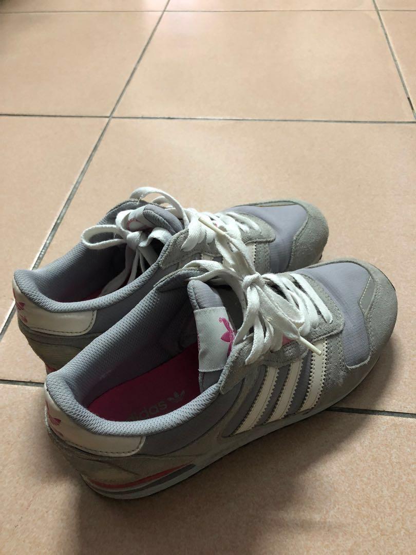 Adidans休閒鞋