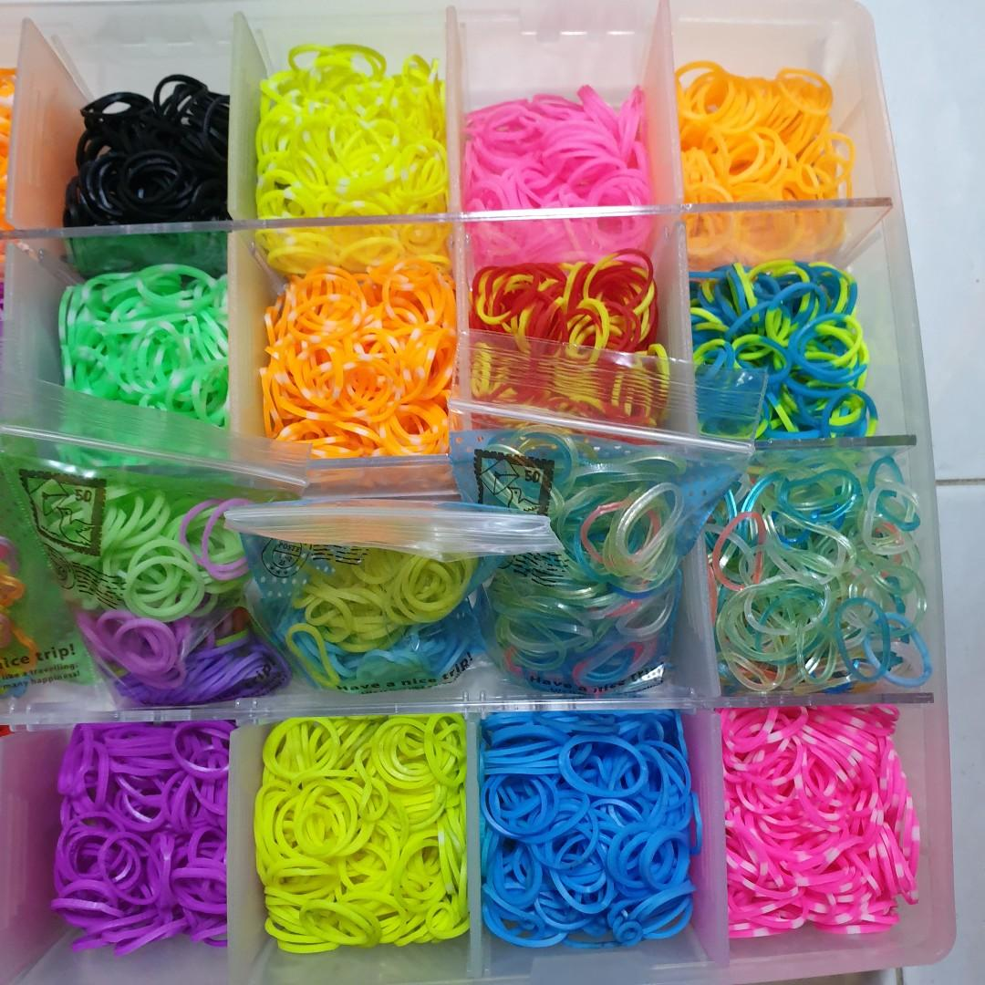 Craft rubber bands and craft tools in container (READ DESCRIPTION)