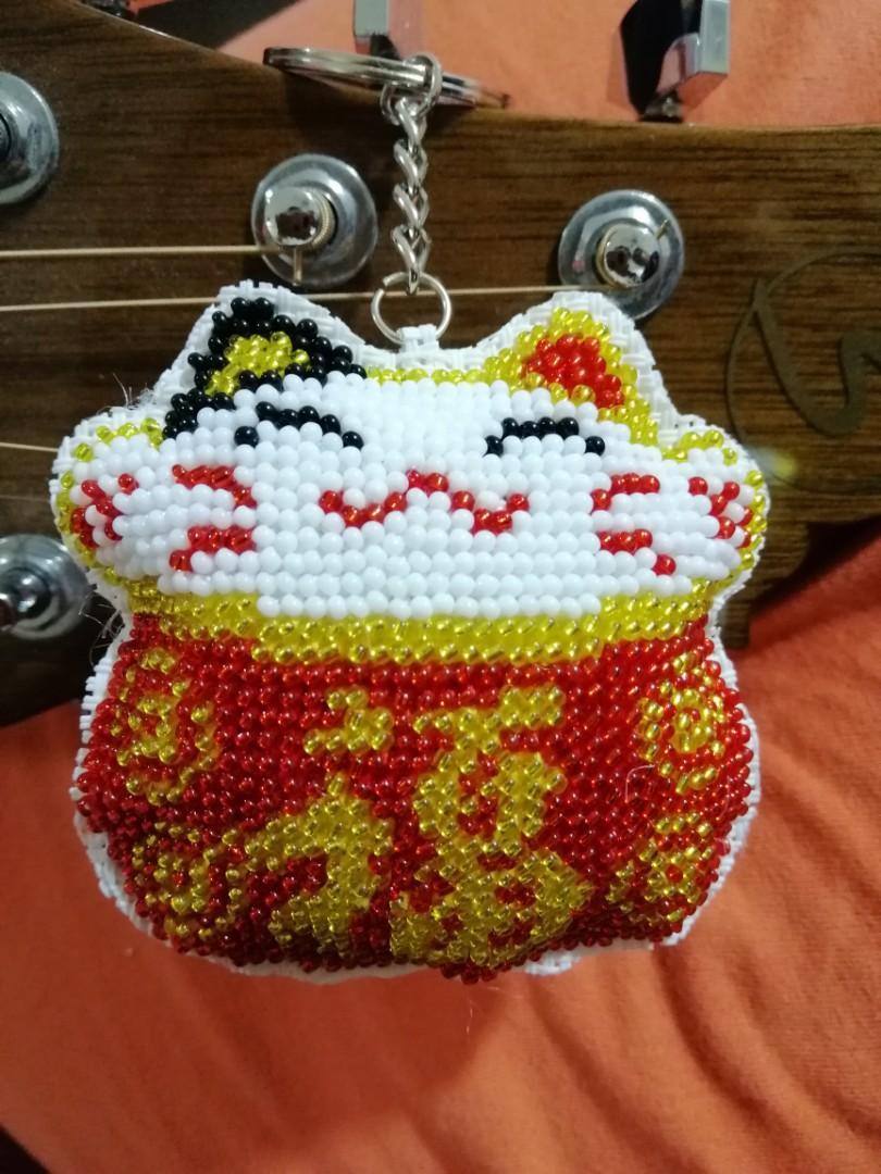 Handmade beaded fortune cat keychain