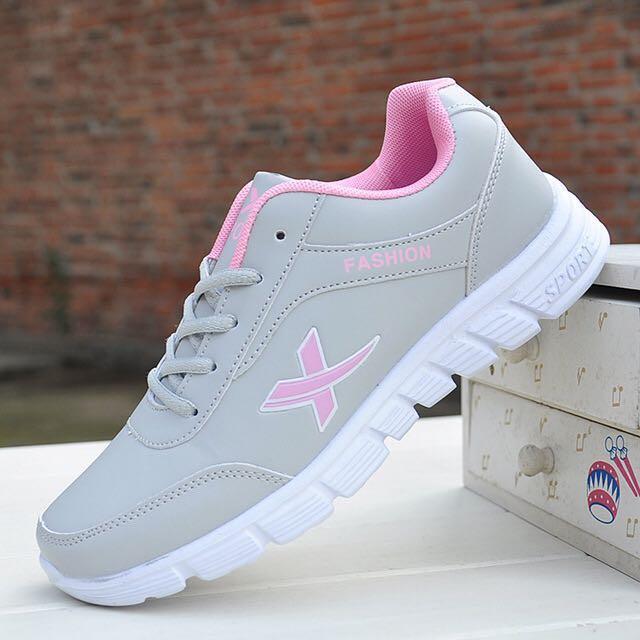 NEW 全新 防滑仿皮灰粉紅色波鞋 Slip Resistant PU Leather Grey Pink Sneakers
