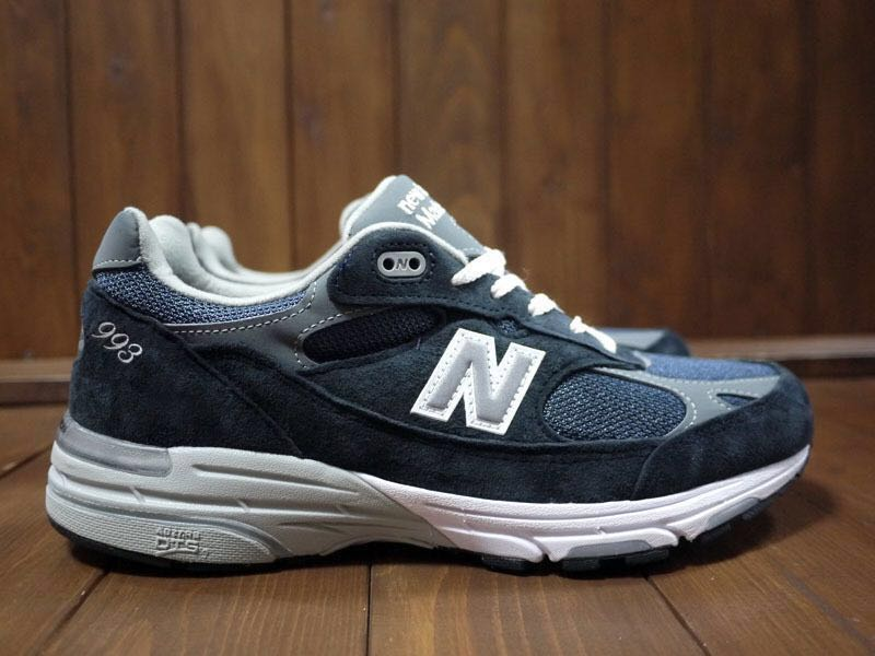 best sneakers c0b81 ace4b New Balance MR993NV 超限定預訂優惠 NB 藍 Supreme Wtaps