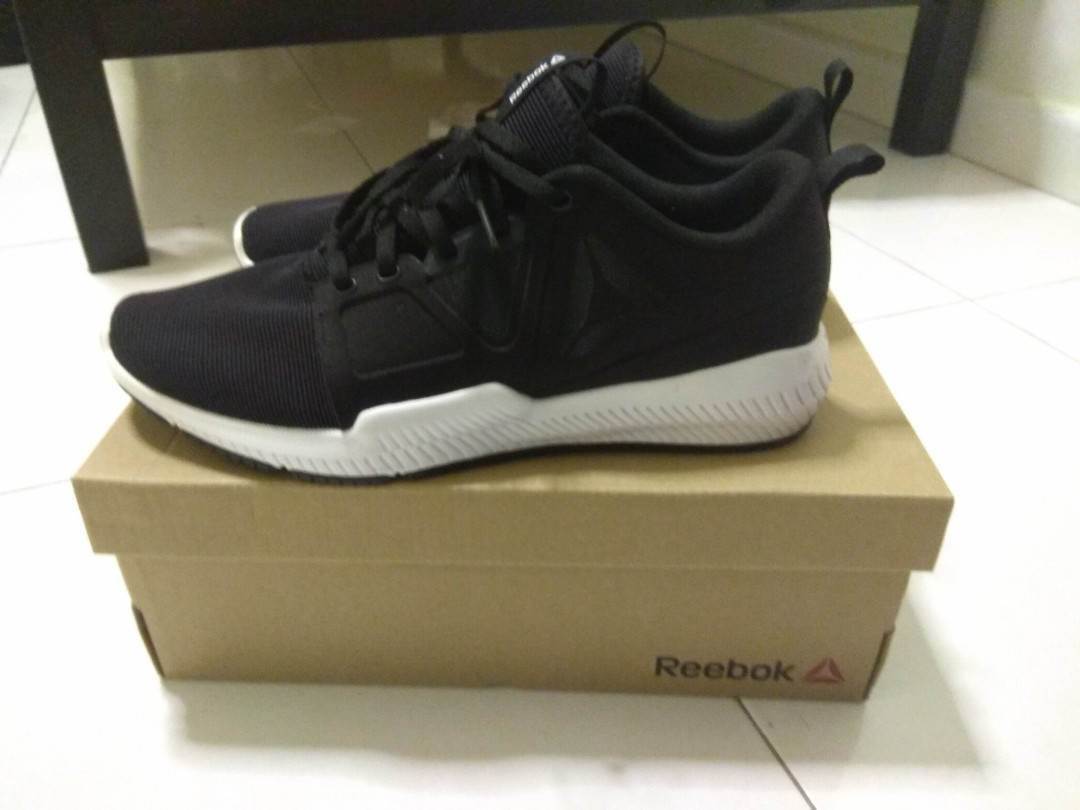 reputable site a9d92 92546 Selling training reebok shoe for men, Men s Fashion, Footwear ...