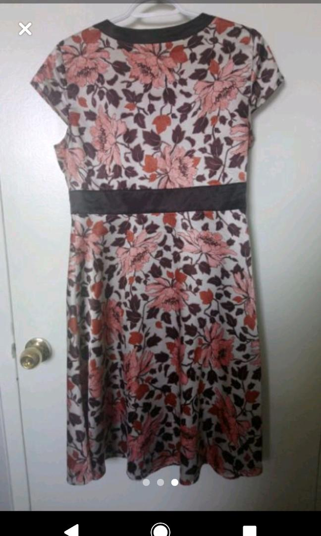 Size 7 - Medium Wrap Silk Dress
