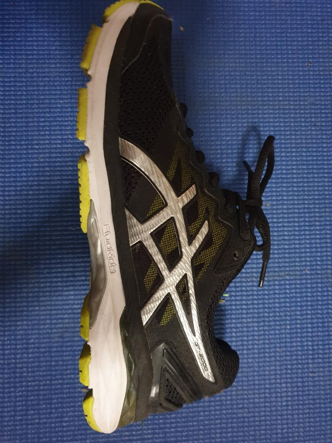 Used Asics GT2000 Running Shoes