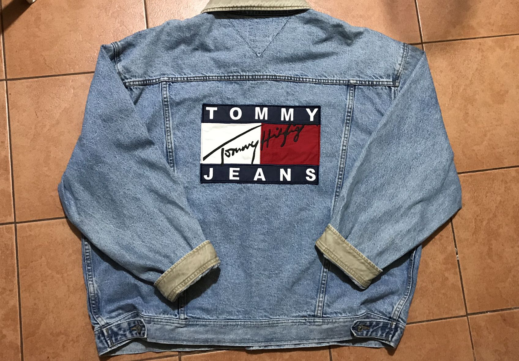 9d16434a Vintage Tommy Hilfiger Denim Jacket, Men's Fashion, Clothes, Outerwear on  Carousell