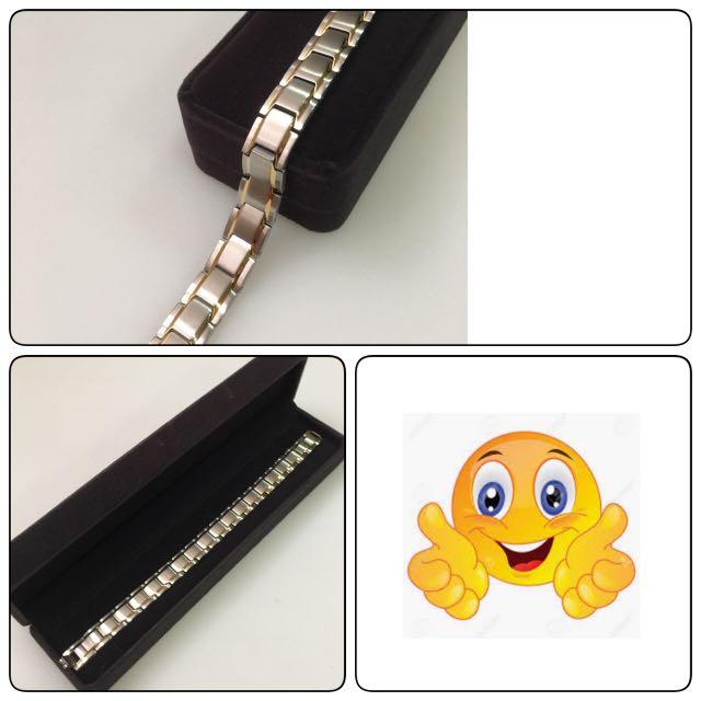7ec7413d94931 Way below cost -BN bracelet with case